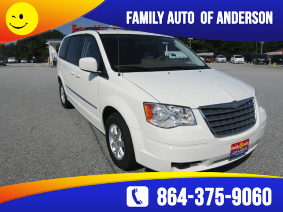 chrysler-town-country-2010
