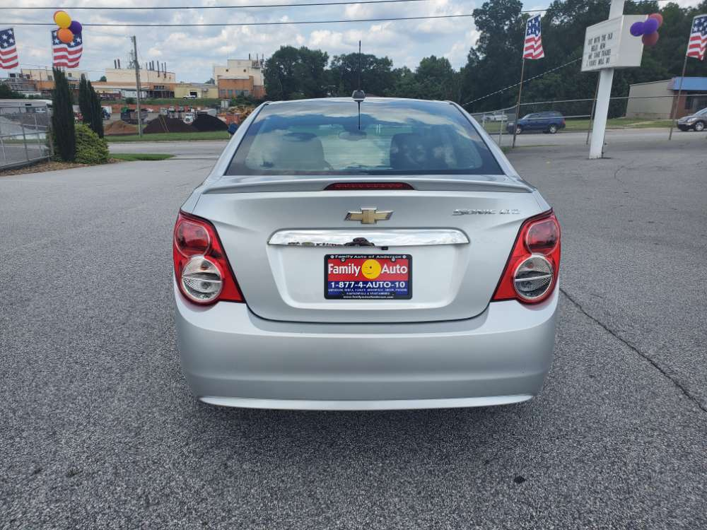 Chevrolet Sonic 2015 Silver