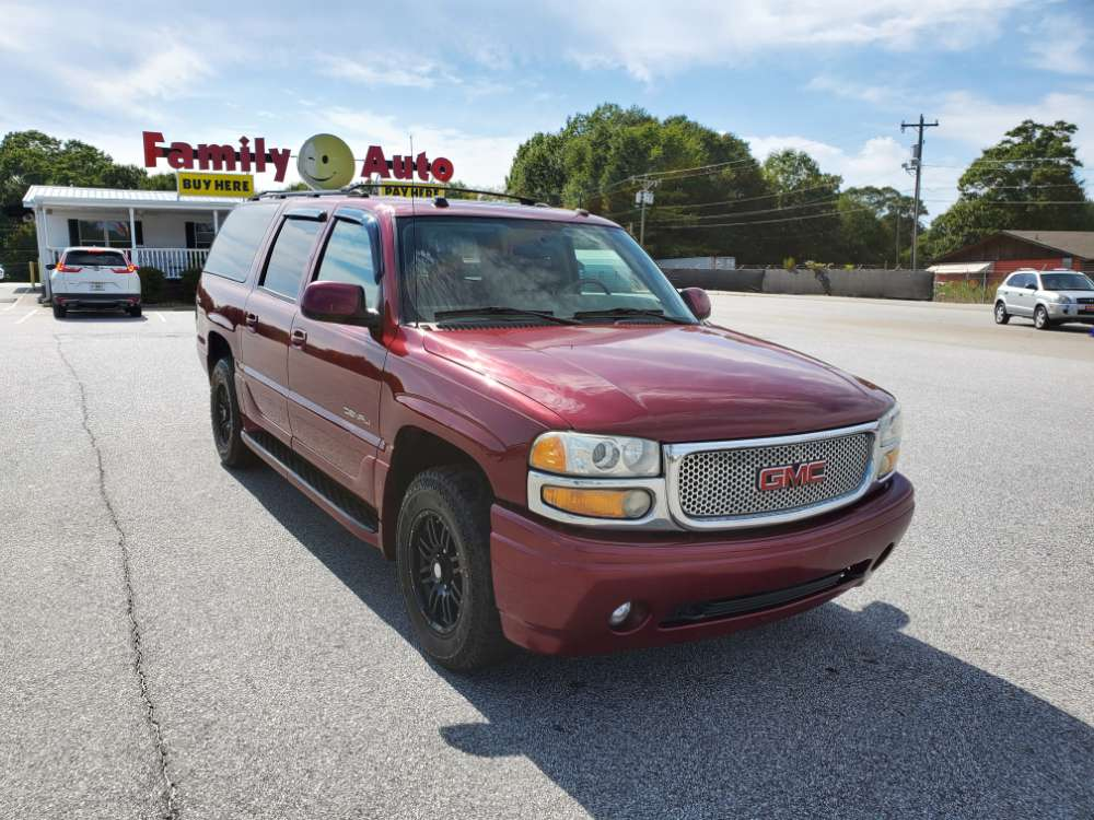 GMC Yukon 2004 Red
