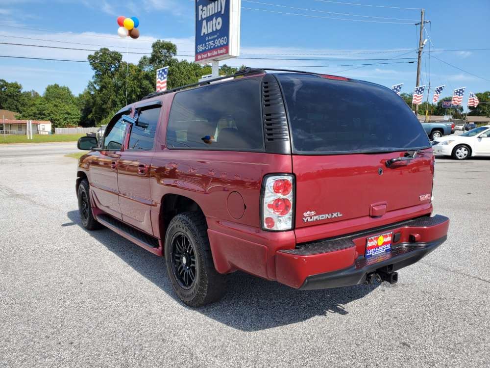 GMC Yukon 2004 Red