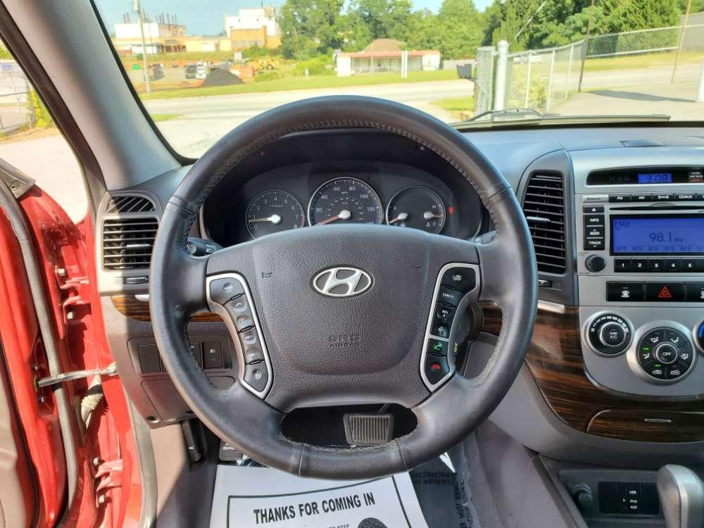 Hyundai Santa Fe 2010 Red