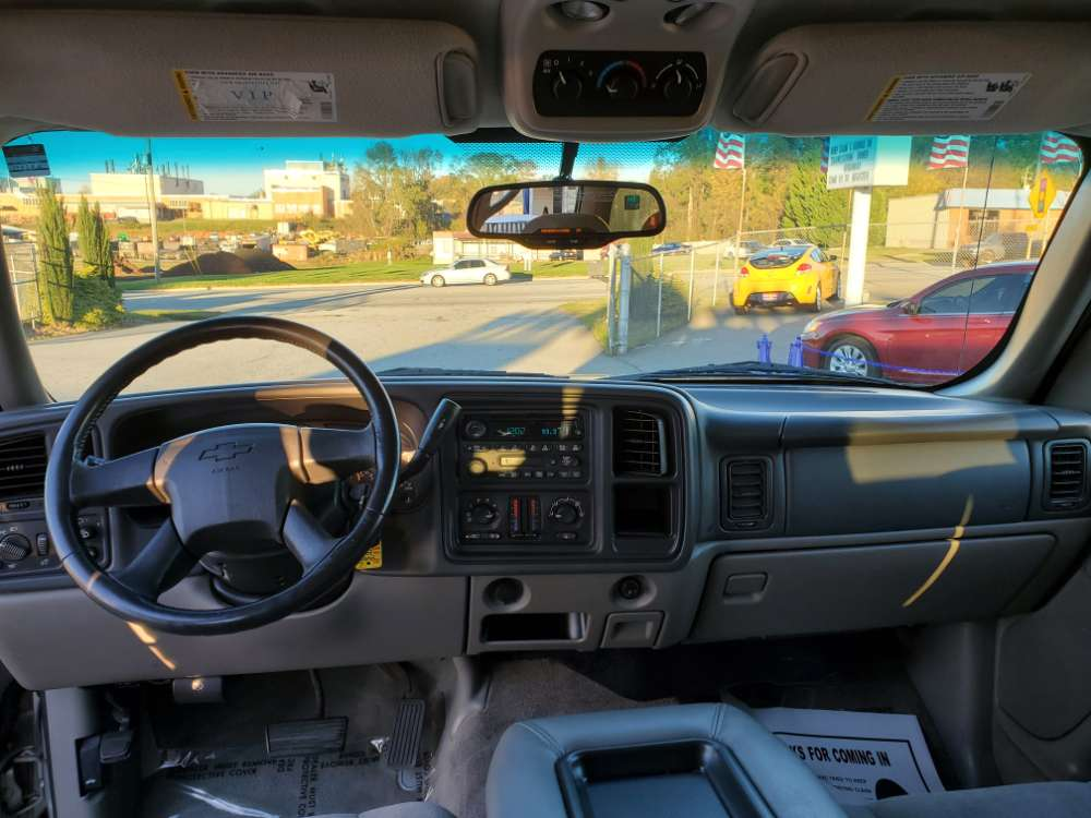 Chevrolet Tahoe 2004 Tan
