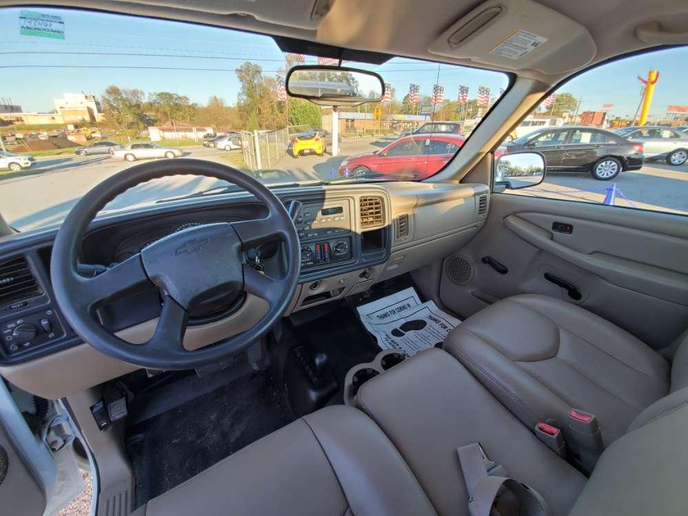 Chevrolet Silverado 2005 White