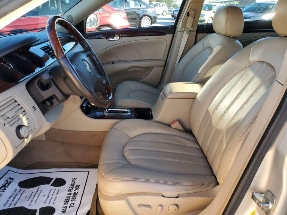 Buick Lucerne 2008 Gold