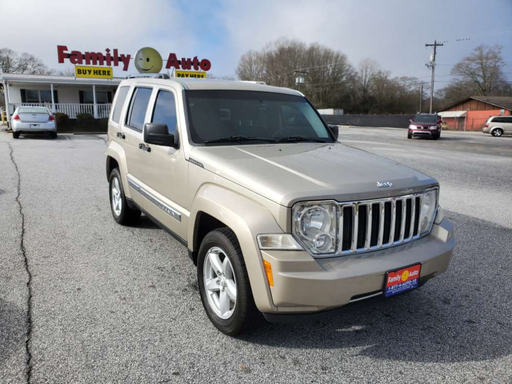 Jeep Liberty 2010 Gold