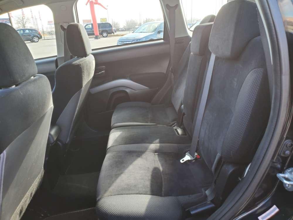 Mitsubishi Outlander 2010 Black