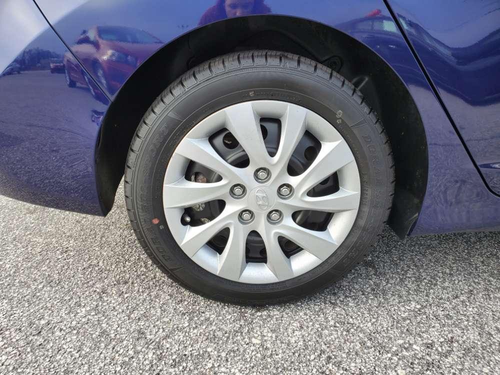 Hyundai Elantra 2011 Blue