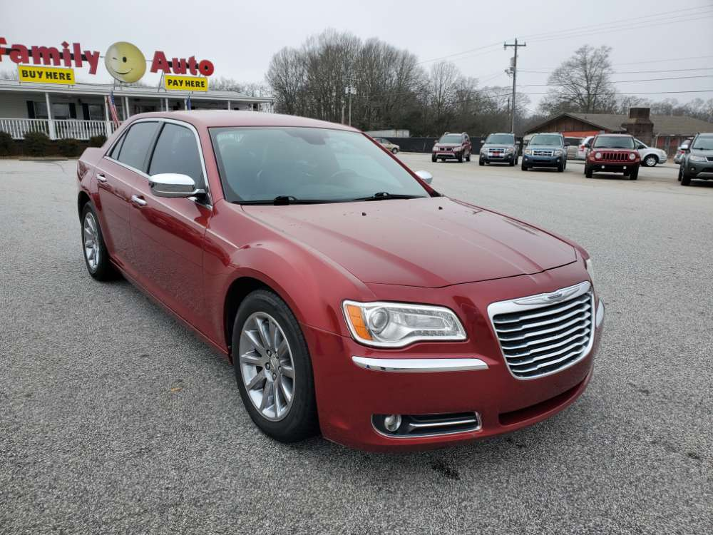Chrysler 300C 2012 Maroon