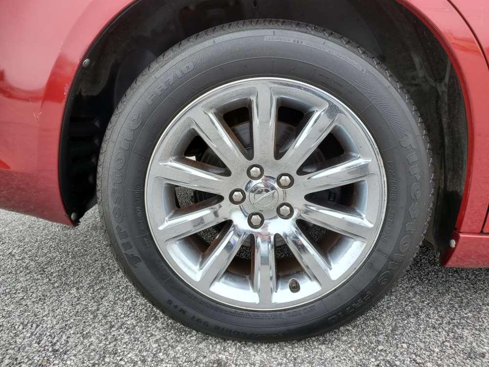 Chrysler 300C 2012 Maroon