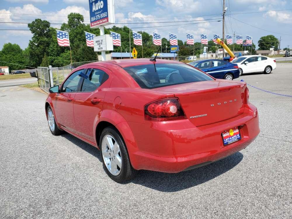 Dodge Avenger 2013 Red