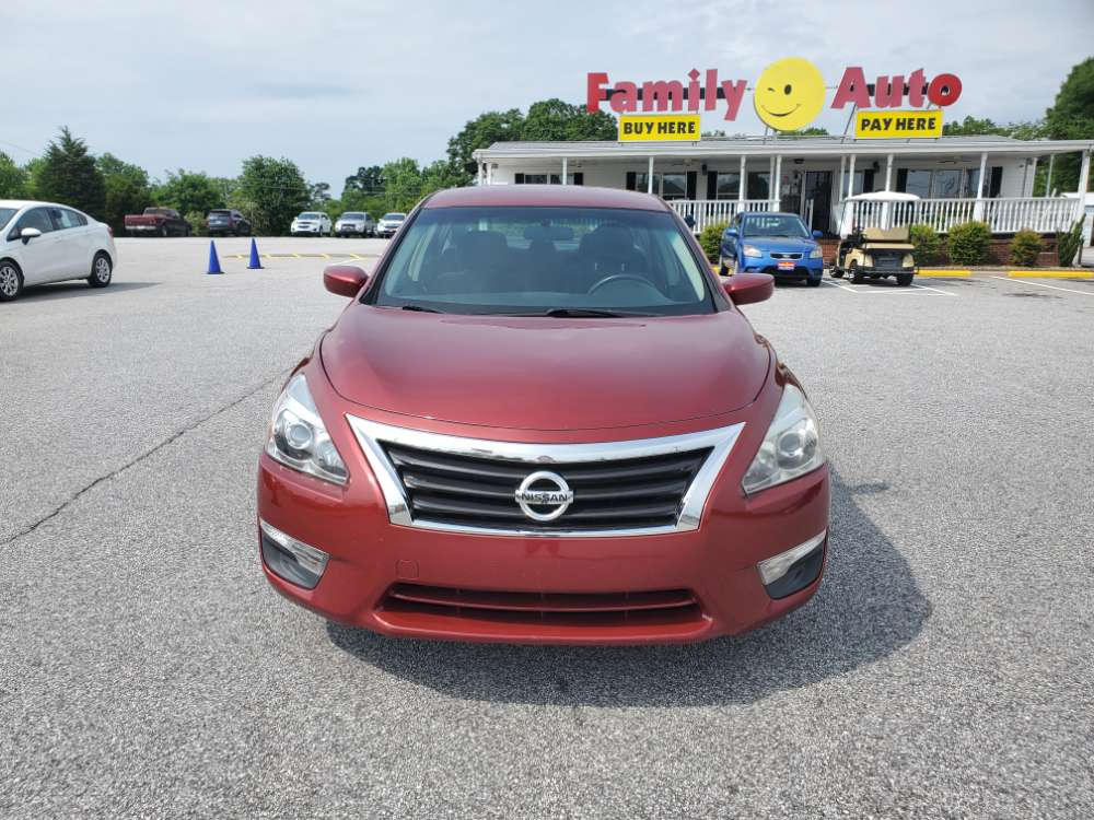 Nissan Altima 2013 Red