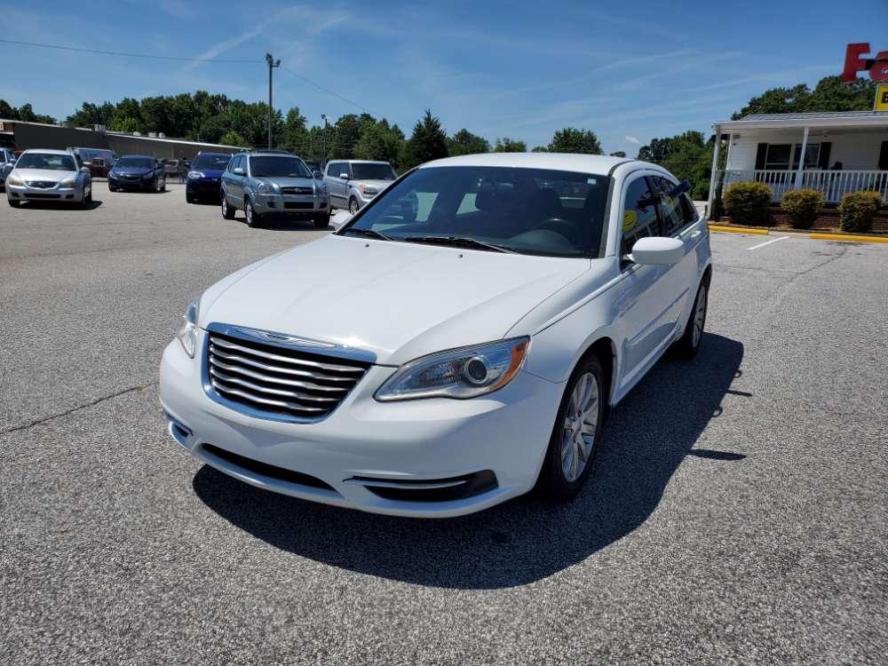Chrysler 200 2013 White