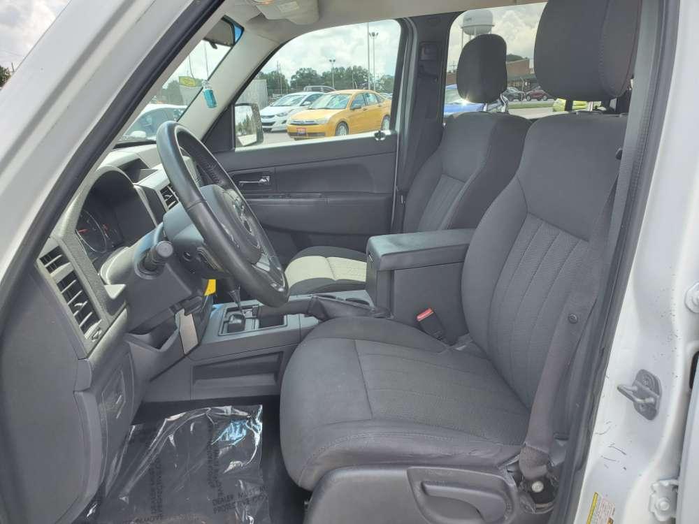 Jeep Liberty 2011 White